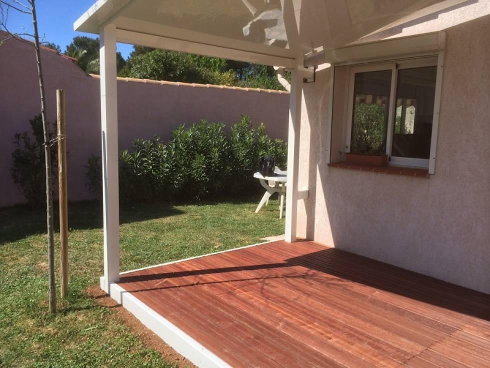 Fourniture et pose de toiture et réalisation de terrasse en bois à