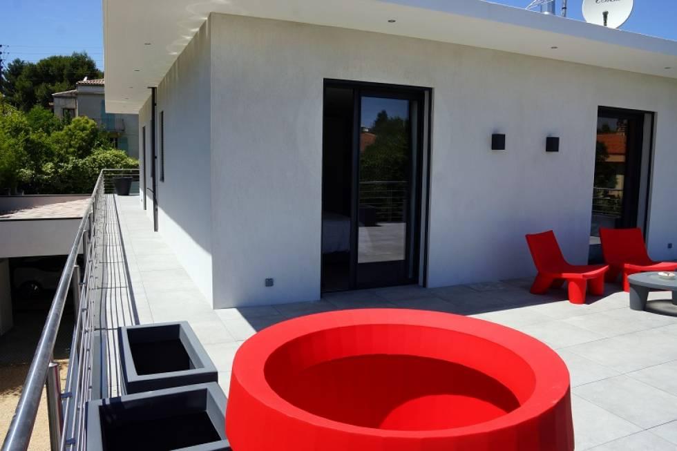 fabrication et pose de menuiseries en aluminium aix en. Black Bedroom Furniture Sets. Home Design Ideas